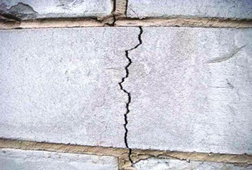 Трещины на блоках