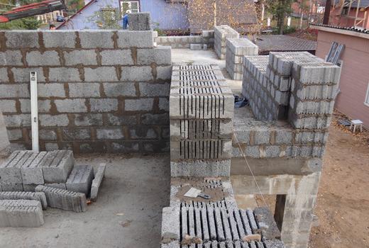 Стены из керамзитбетонных блоков
