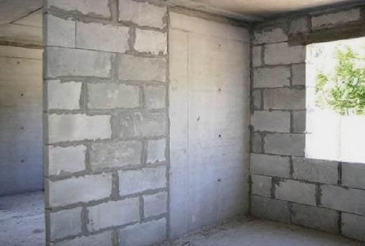 Стена из керамзитоблоков
