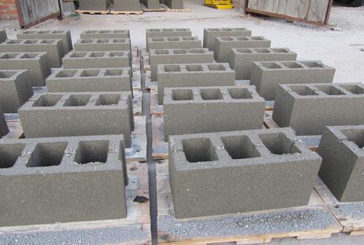 Блоки в процессе изготовления