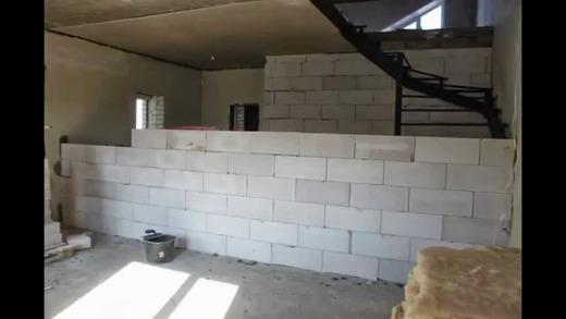 Удобность строения из блоков