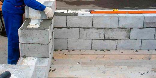 Укладка прочных стен