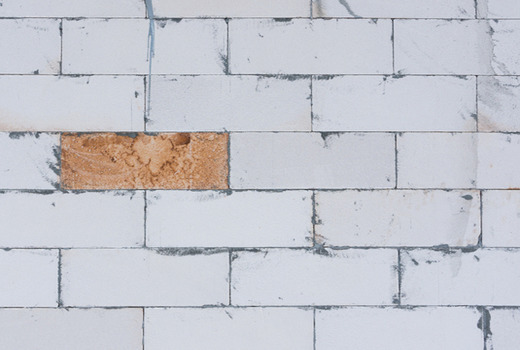 Сравнение характеристик строительных материалов