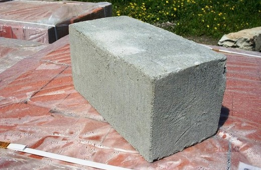 Камень стеновой полнотелый