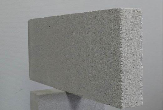Поры покрытия блока
