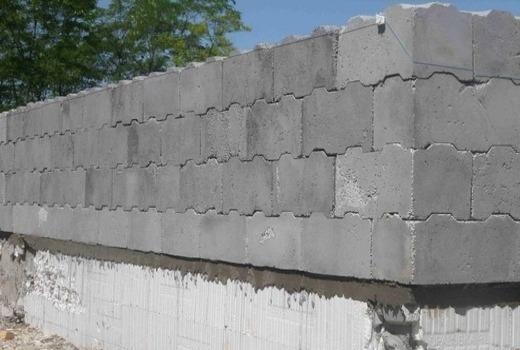 Возведение стены лего