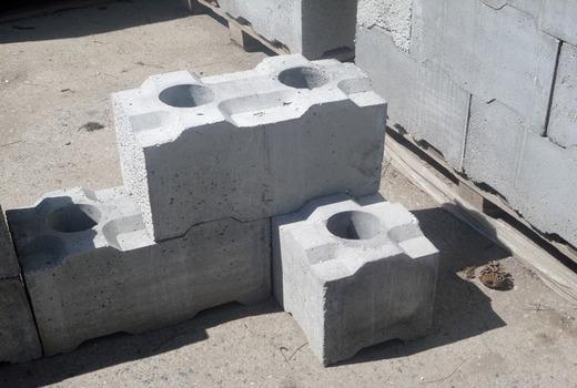 Лего-блоки из крепкого пенопласта