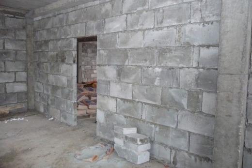 Стены и перегородки из пеноблоков