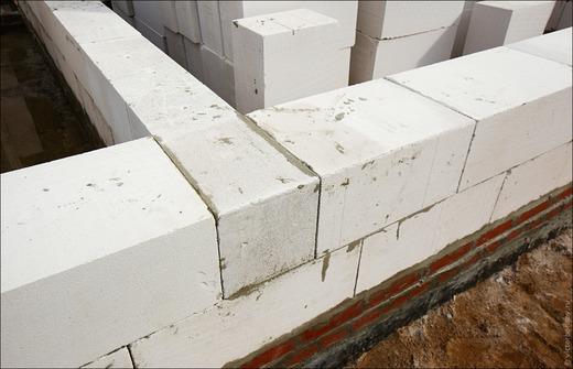 Кладка блоков из газосиликата