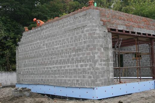 Использование стеновых бетонных блоков при строительстве