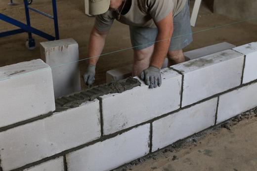 Монтаж стен из газоблоков