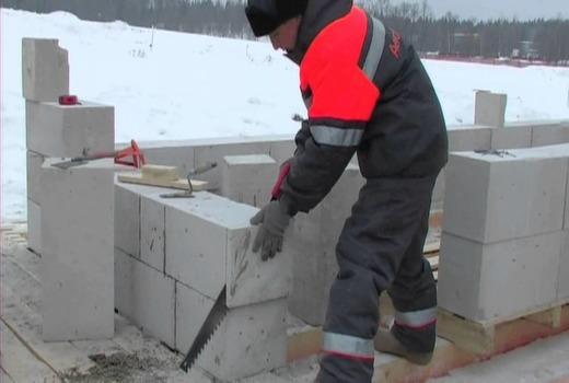 Кладка блоков в зимнее время