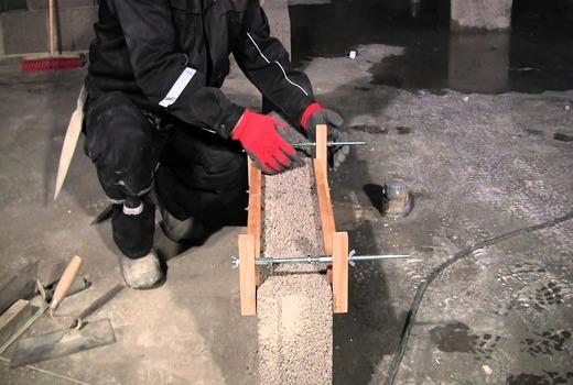 Использование инструментов для строительства