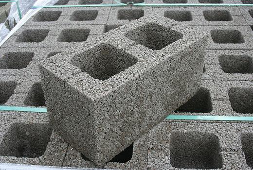 Строение из керамзитобетонных блоков