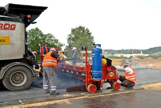 Обслуживание дорожнего оборудования