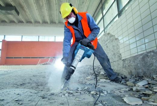 Разрушение бетона вручную