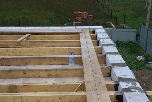 Преимущества и недостатки деревянных перекрытий