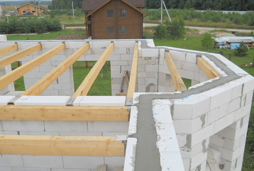 Установка деревянного перекрытия в газобетонных домах