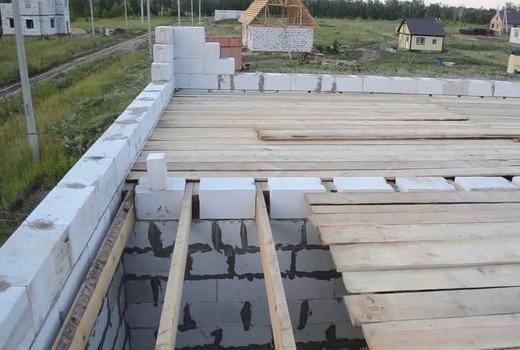 Монтаж крыши если есть армопояс