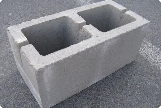 Пустотелые бетонные блоки
