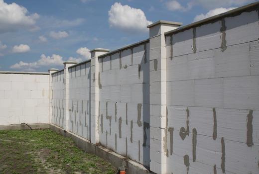 Забор из газобетонных блоков