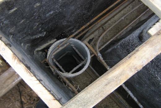 Столбы монтируются ниже уровня промерзания