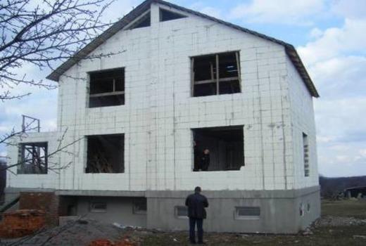 Возведение опалубочной конструкции из пенопласта