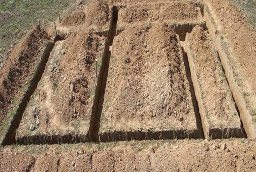 Подготовка грунта для заглубленного ленточного фундамента