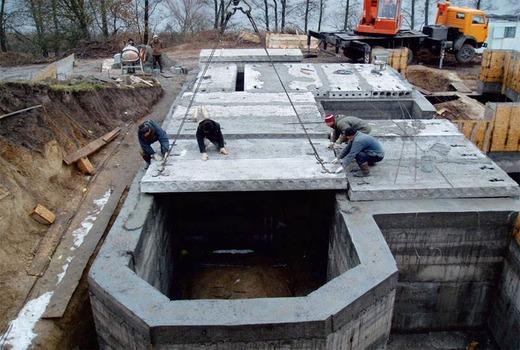 Укладка плит на фундамент