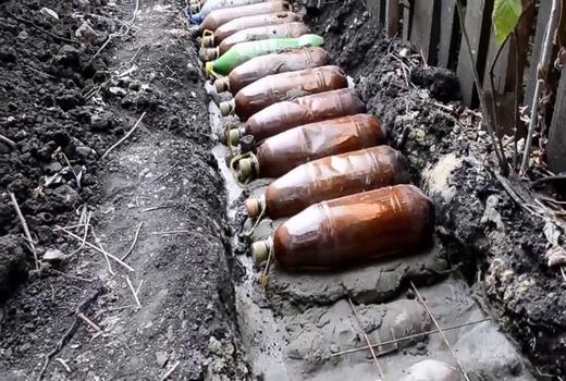 Фундамент из бутылок