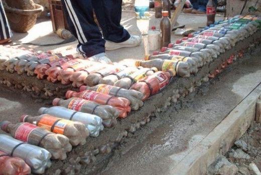 Пластиковые бутылки под фундамент