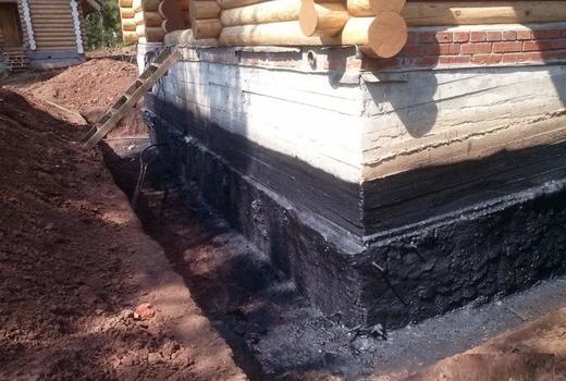 Пористые участки бетонной поверхности фундамента