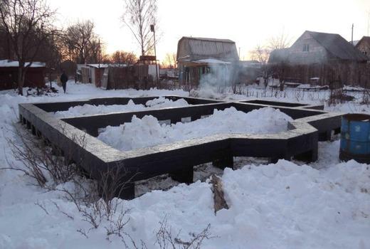 Фундамент зимой - задача вполне выполнимая