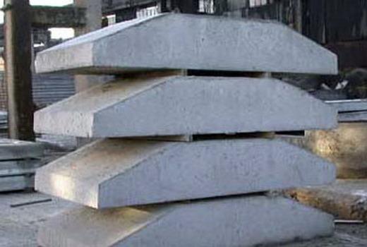 Подушку устанавливают под фундаментные блоки
