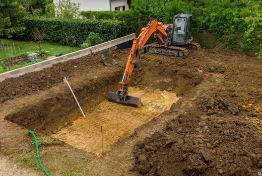 Выполнение работ по строительству котлованов